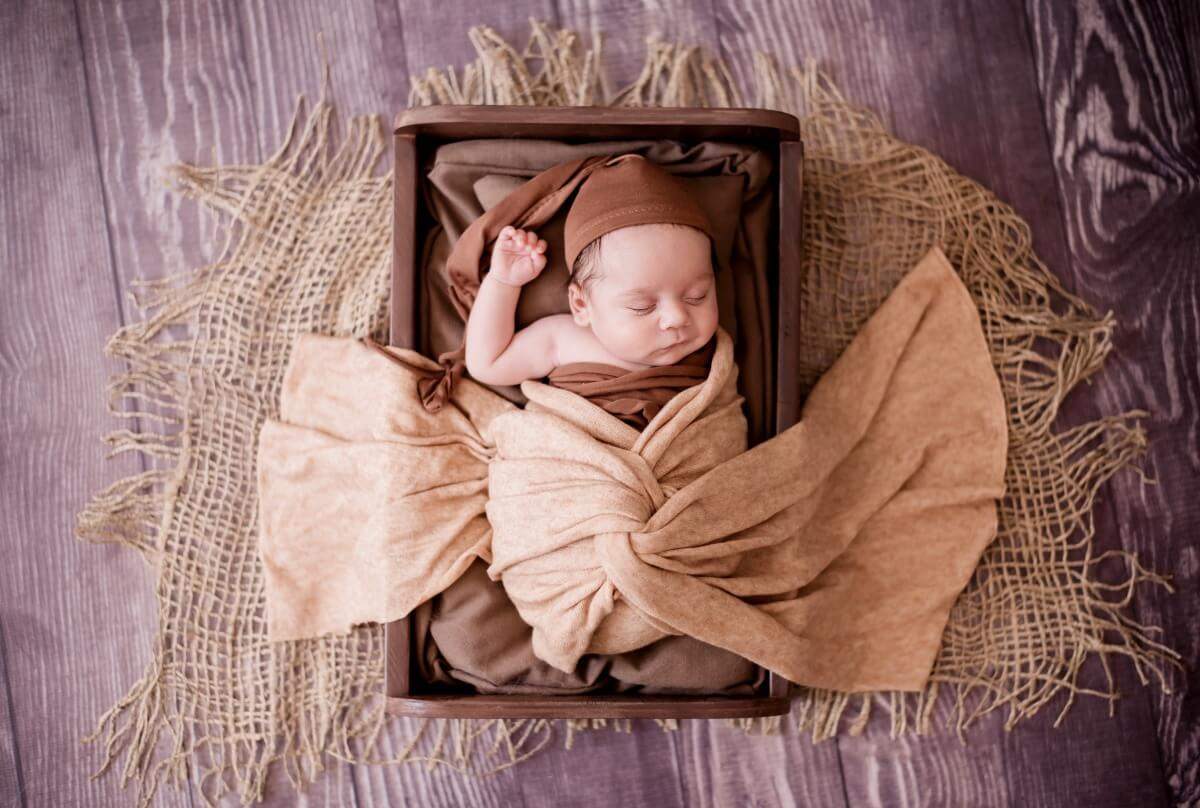 Just Born Newborn New Born Baby child girl boy freelance Photographer for babies kids edenvale johannesburg gauteng south africa 2